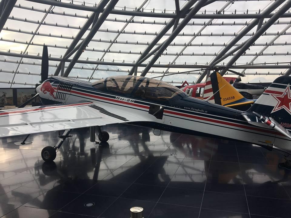 """""""летящите бикове"""" имат флотилия от най-красивите самолети в историята на авиацията"""