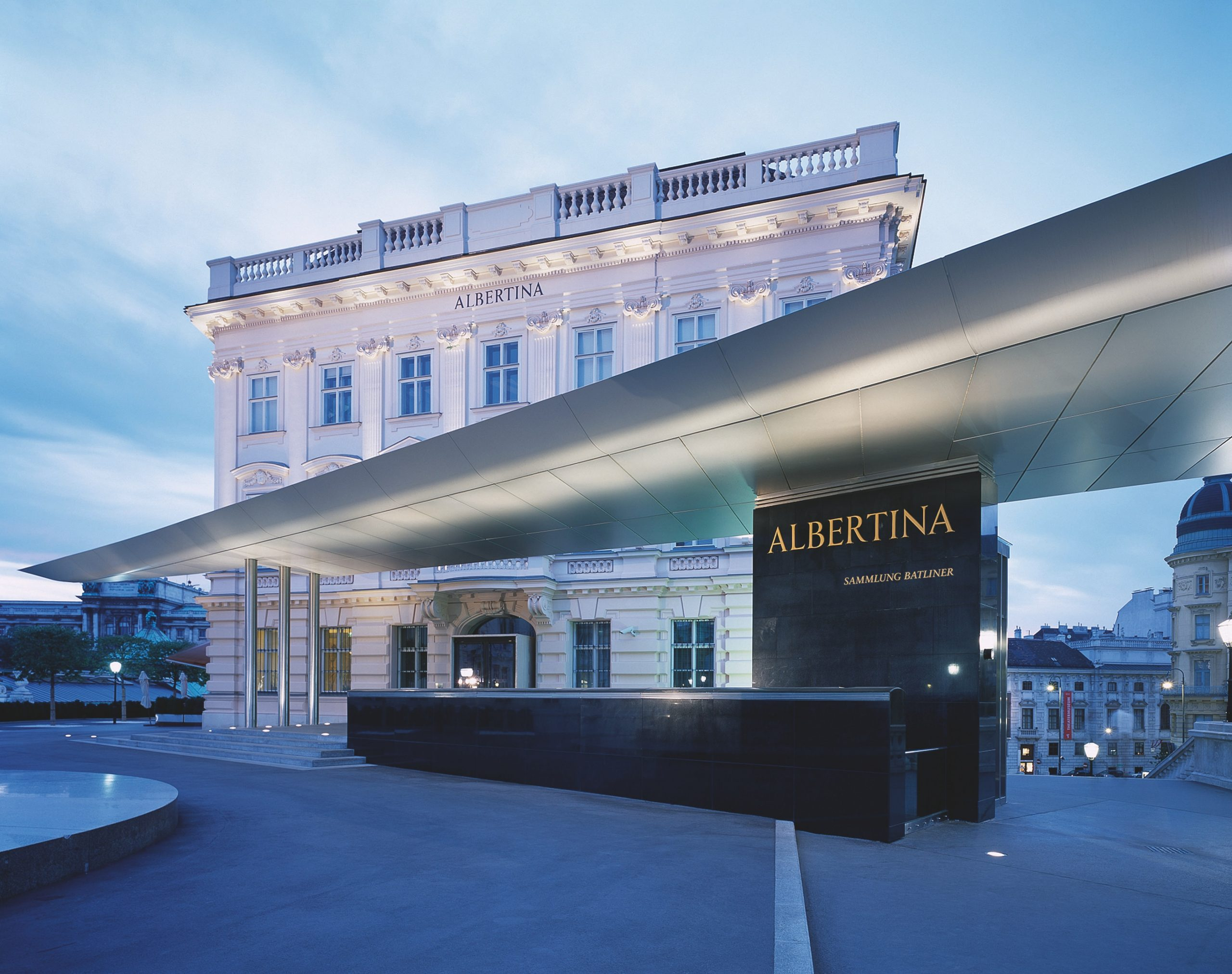 Галерия ALBERTINA във Виена е мястото, което трябва да посетите, ако имате интерес към световното изобразително изкуство