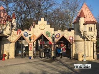На около 70 км от Виена има едно прекрасно място за забавен семеен уикенд