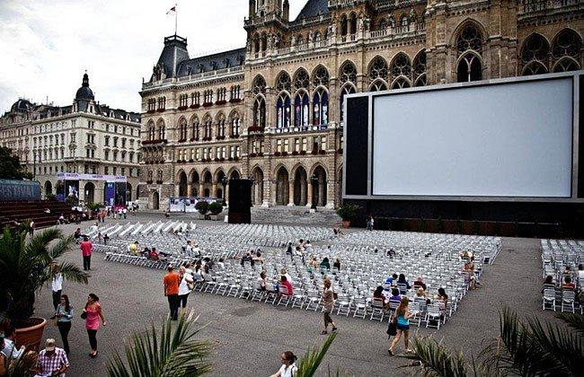 Филмови фестивали привличат стотици хиляди киномани в Австрия