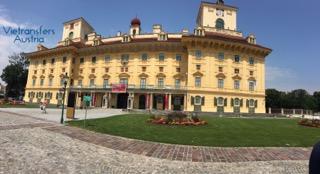 Наричат бароковият дворец Естерхази Австро-Унгарският Версай