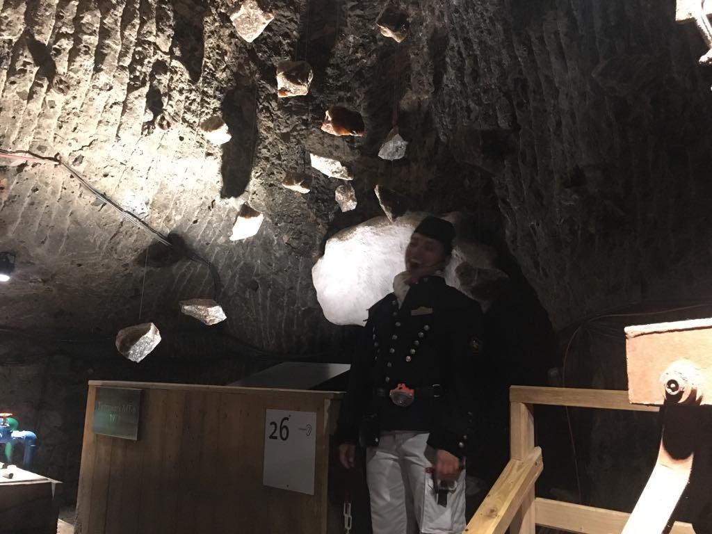 Тук можете да обиколите първата известна солна мина в света – Salt Worlds.